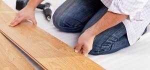 Leggen van vloer door vloerspecialist